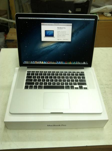 LAPTOP MACBOOK PRO MC975 QUAD CORE I7 RAM 8GB HDD 256GBSSD LAYAR 15""