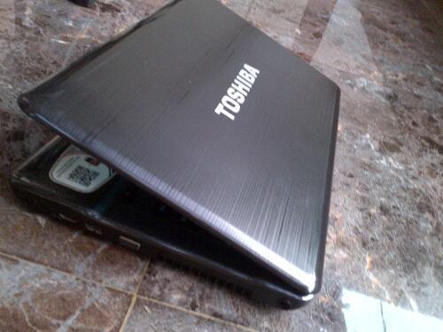 TOSHIBA P745-S4320 CORE i5-2430M RAM 4 GB HD 640 GB BLURAY AJIIB...