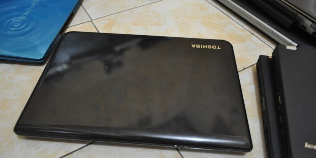 Toshiba c40 core i5 ivibrige like new baru 4 bulan pakai jual murah 4,2jtan aja