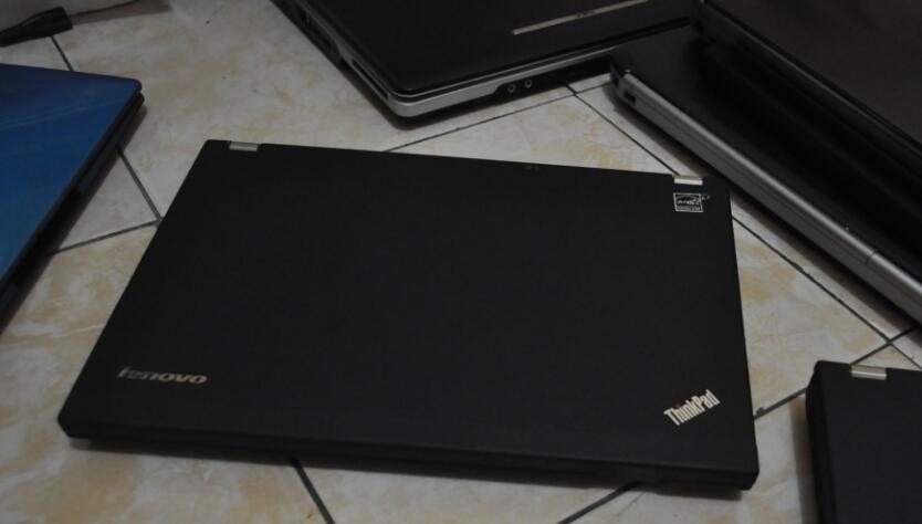 "Thinkpad X220 core i5 2520, 4gb, 320, 12"", win 7, batry ok mulus cuma 4,3jtan"