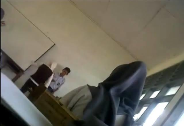 Miris, Guru SMA di Makassar Nendang Muridnya Sendiri!