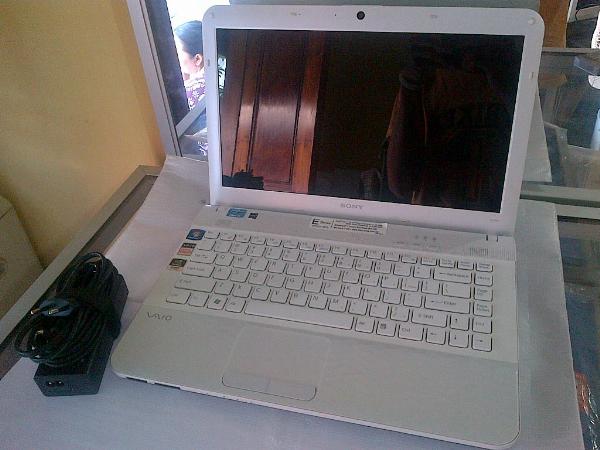 Laptop SONY VAIO VPCEG18FG Core i5 Sandy Bridge WHITE Istimewa || Surabaya