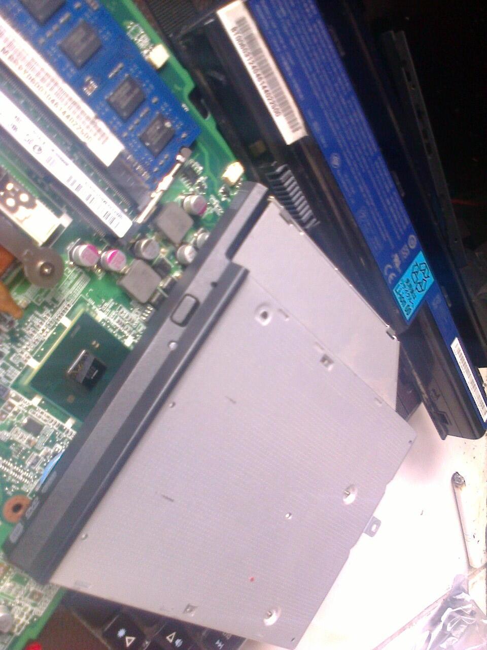 Acer Aspire 4738 - Pretelan/di-Beleh/di-Brodol/di-Keteng/di-Ecer/Parts
