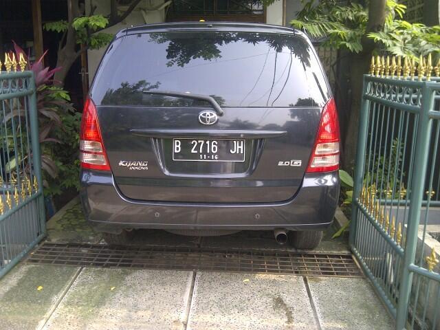 Dijual mobil keluarga Inova type G 2006 - Hitam - matic