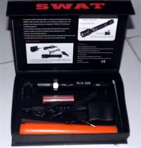 Swat Lampu Senter Alat Penerang plus kompas