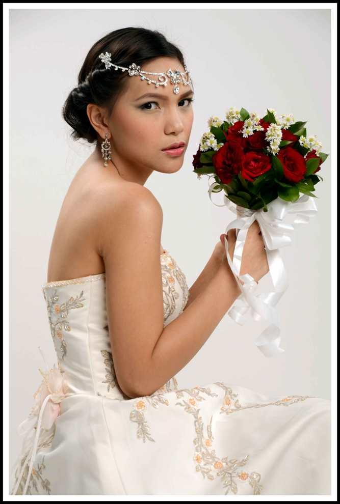 Hair & Make Up ( Hair & Make Up Artis ( Pernikahan, Party, Graduation )