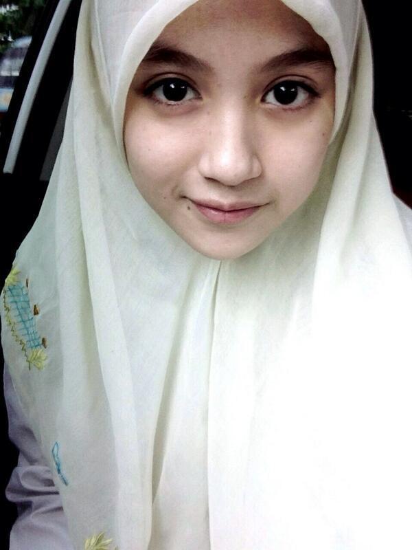cantik cewek pake jilbab atau ga kaskus
