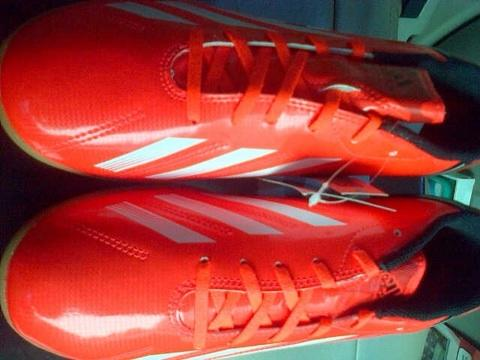 Adidas F5 IN Futsal Infrared