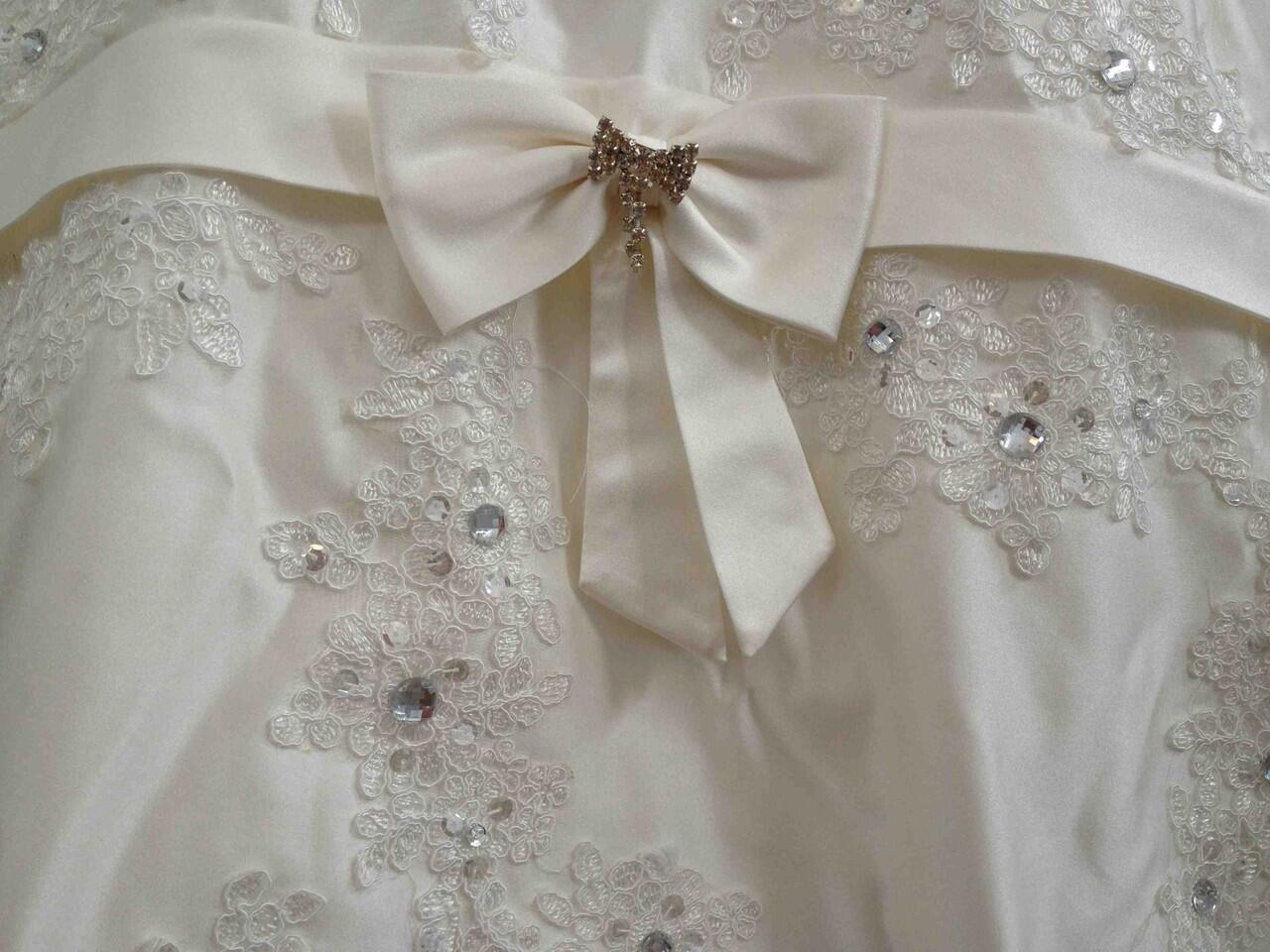 Baju Pengantin Broken White ukuran mungil