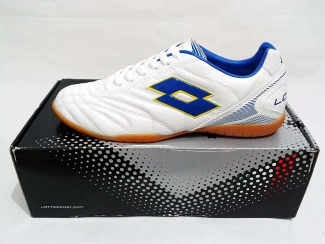 Sepatu Futsal Lotto White