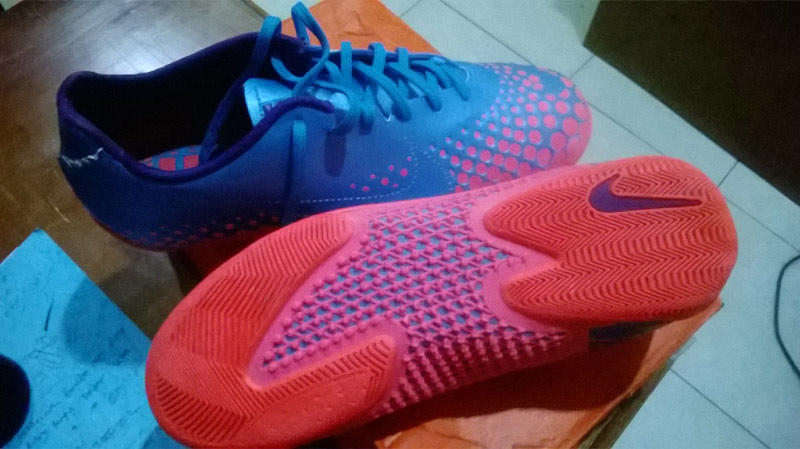 Sepatu Futsal nike 5 elastico finale