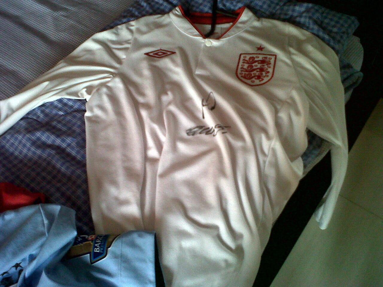 jual original jersey england home ls euro 12/13 sign micah and scott size 38/m