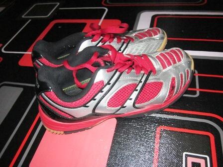 sepatu badminton murah second merk SPECS