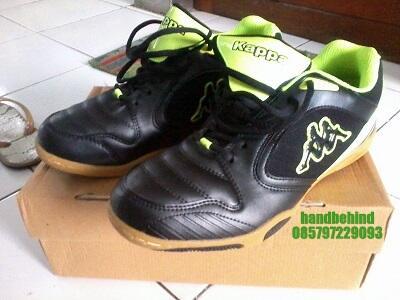 Sepatu Futsal Kappa Naiver Hitam-Hijau Ukuran 42 BNIB Bandung