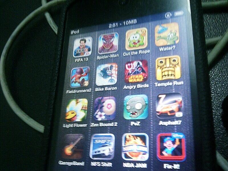 [WTS] iPod Touch 4 Gen 32GB Black Sudah Jailbreak Surabaya