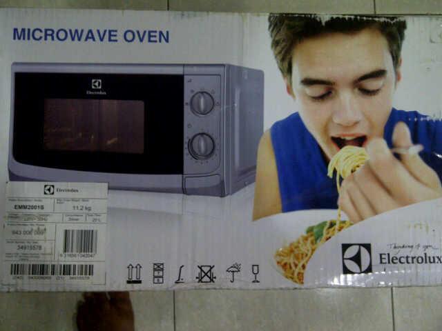 (BU)Jual Microwave Electrolux EMM2001S kondisi BNIB
