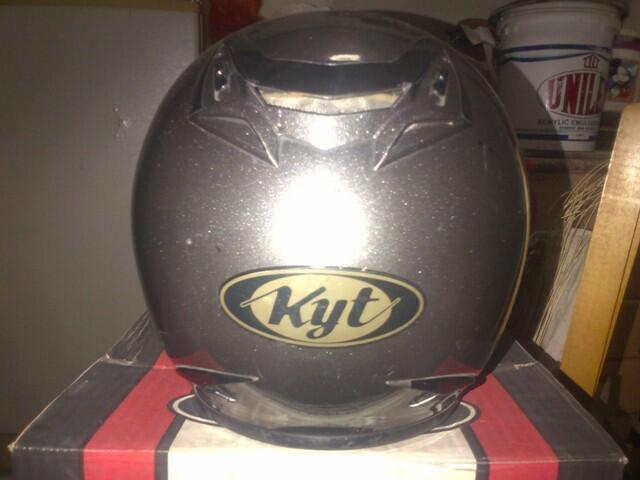Helm KYT Romeo Solid/Gunmetal (Abu-abu) M