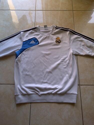 Jual Sweater Real Madrid size L keren abis dijamin