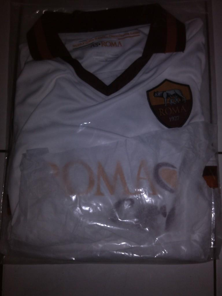 Obral Penghabisan Jersey Madrid away,Roma Away (13/14) & Chelsea 3rd 11/12