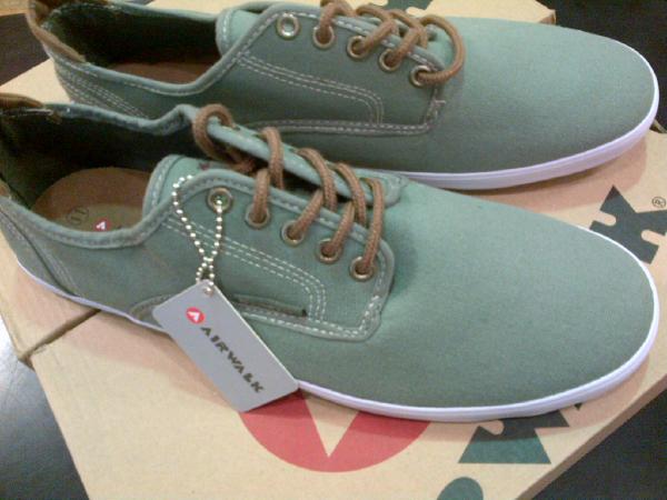 sepatu casual airwalk original