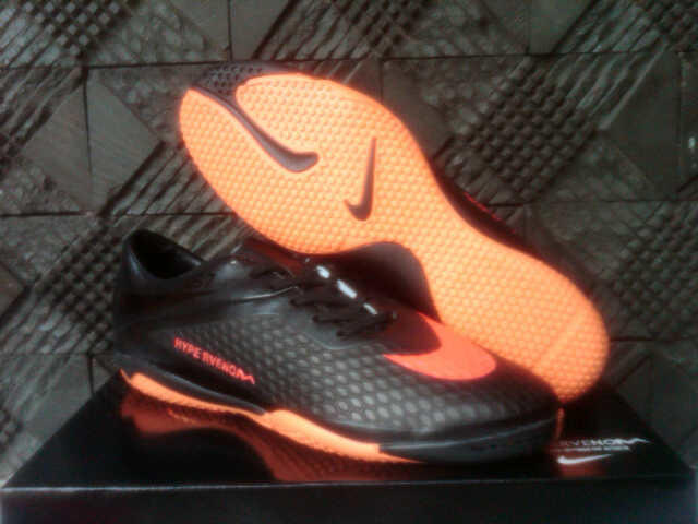 SEPATU SPORT FUTSAL NIKE HYPERVENOM PHELON IC FULL BLACK F-RED