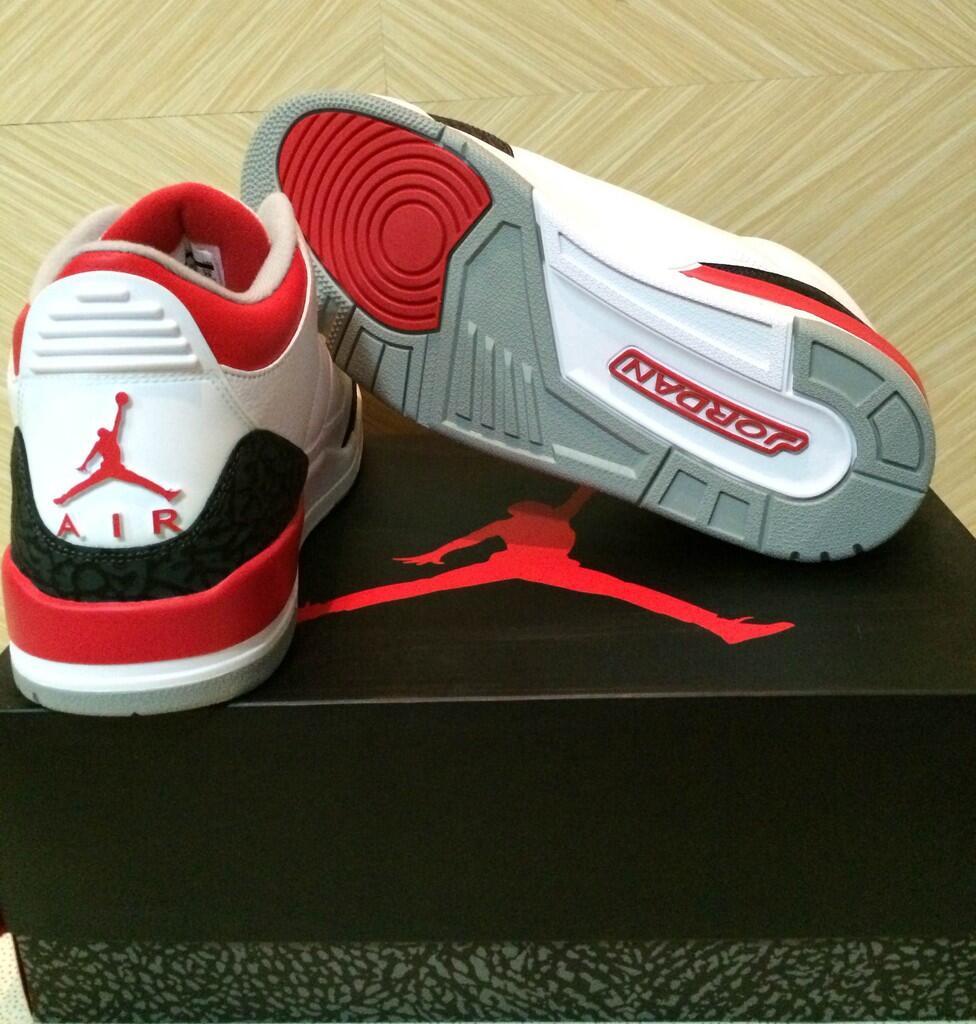 Jual Air Jordan 3 Fire Red Size 10.5US