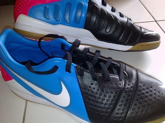 Jual Sepatu Futsal Original Nike CTR 360 Libretto III IC Size 42 Bandung