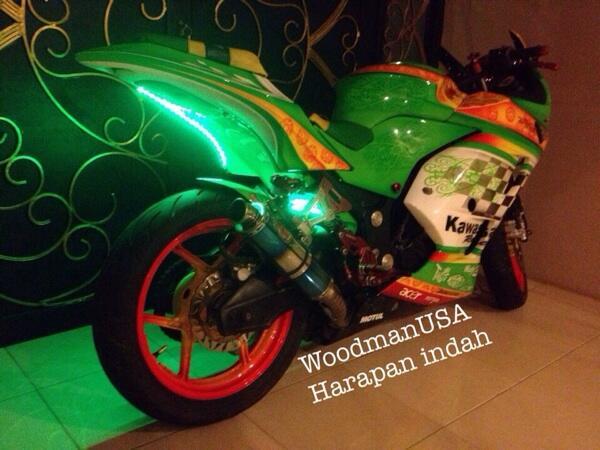 Kawasaki ninja 250 th 2011 modif cakep