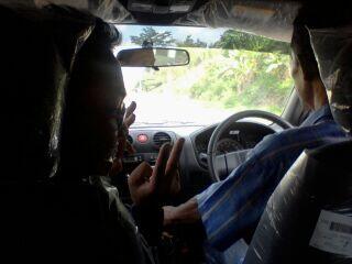 Tips Nyaman & Aman saat berada di Kendaraan Umum,!!