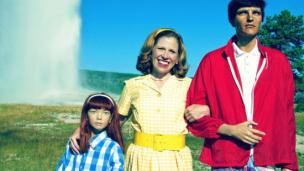 14 Tahun 'Hidup Bahagia' Bersama Keluarga Semu