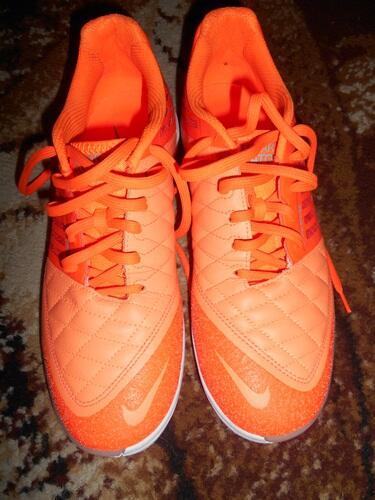 Terjual sepatu futsal nike lunar gato II atomic orange size 43 mint ... 7e94090fc25df
