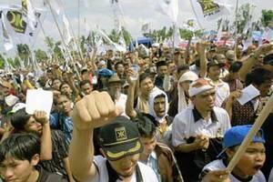 Indonesia, rakyatmu kini :(