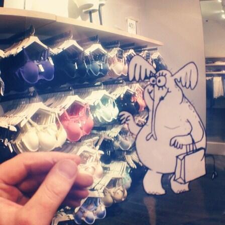 Ajaib! Instagram Hombree McSteez Mengilustrasikan Doodles di Dunia Nyata!