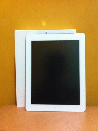 Apple iPad 3rd Gen 64GB Wifi Cell White Mulus Fullset! COD/REKBER [SURABAYA]