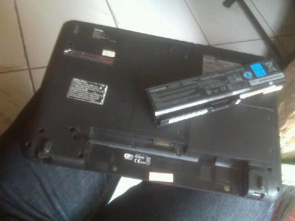 Jual cepat Laptop Toshiba Satelite L645D Quadcore AMD Mulus + Lengkap