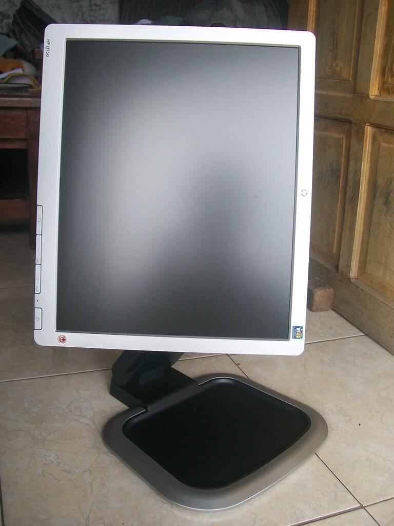 Toko Monitor Lcd Kabel Vga Led Bagus Dan  Male To 000 Usaha Atau Dagang Lainnya Se Paket 1 Pc Komputer Core2duo 16 Key Mouse Barcode Scanner Ebook Total 108 Halaman