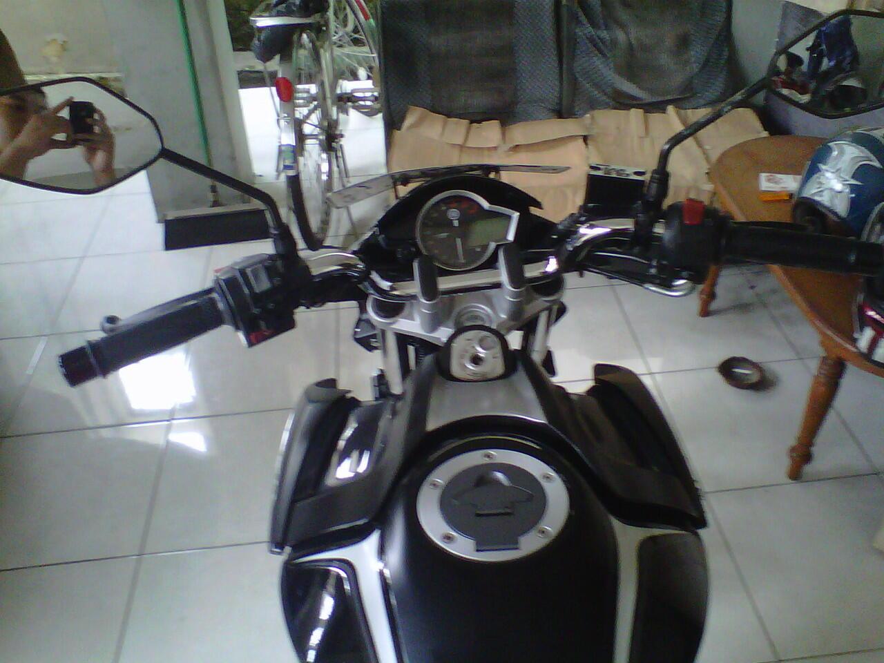 Vixion Lightning 2013 warna hitam plat L, Atas nama sendiri, Surabaya