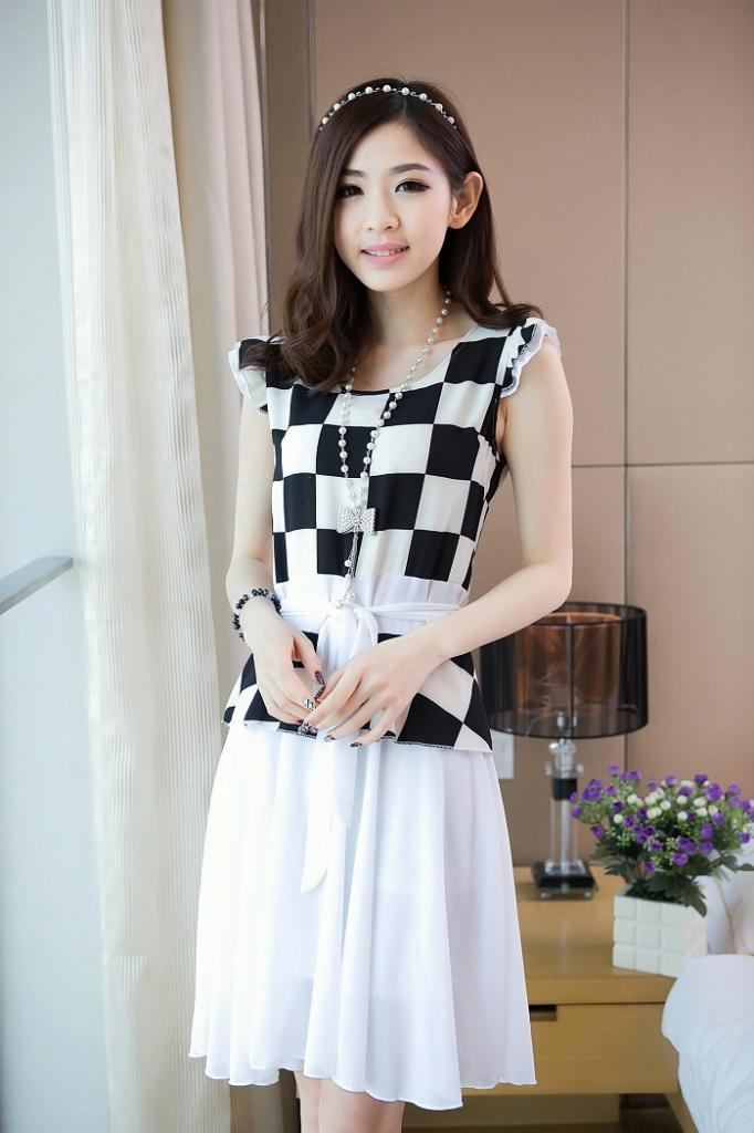 Dress Import motif ( motif: grid, retro ) RP. 115.000