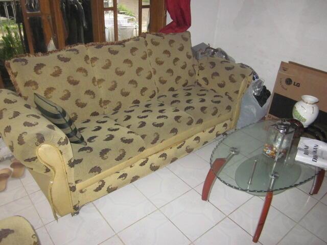 Sofa untuk di ruang tamu dan mejanya (Bukan Sofa murahan ya) Bandung