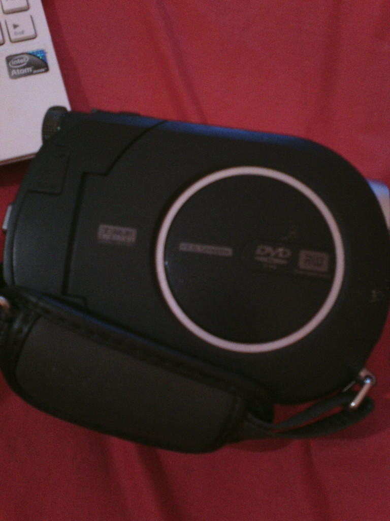 Dijual Handycam Sony DCR DVD608 Carl Zeiss 40x Optical Zoom HANDYCAM+CHARGER. COD MLG