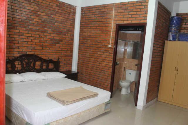 Villa 50 kamar di Puncak (Caringin)