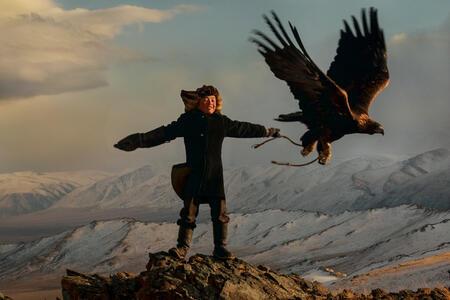 Potret Anak Anak Pemburu Elang Yang Pemberani Di Mongolia Kaskus