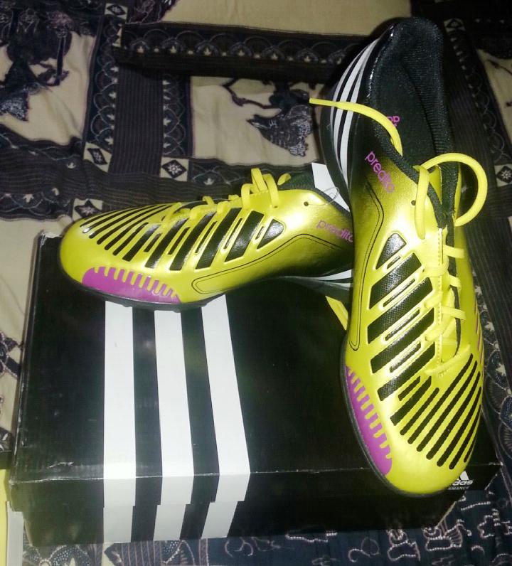 BNIB Sepatu Futsal Adidas Predito LZ Original Size 44 2/3 Kuning Hitam Bandung