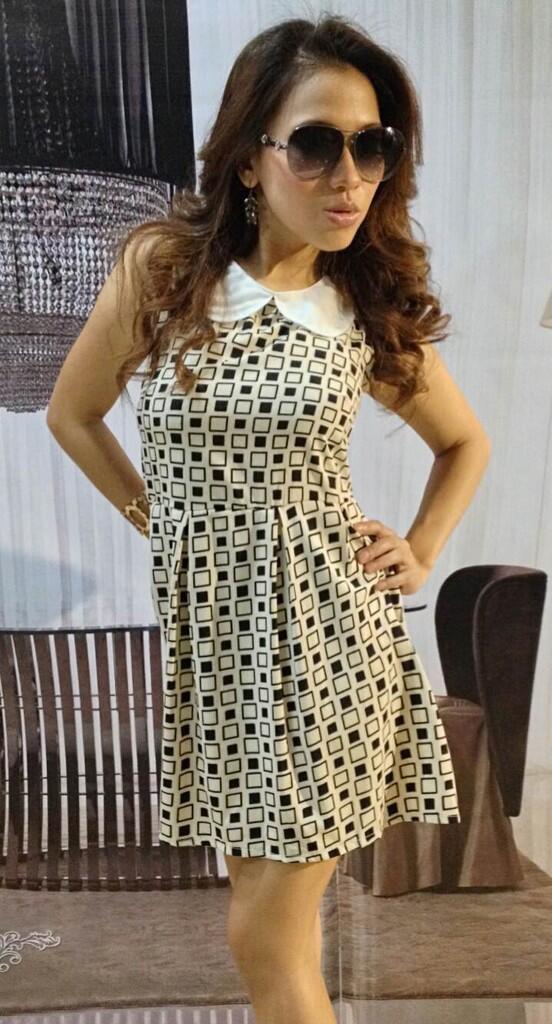 Dress Cream Black White Box (BS D 50)