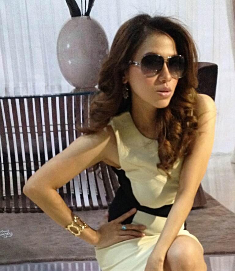 Dress Cream Black (BS D 43)
