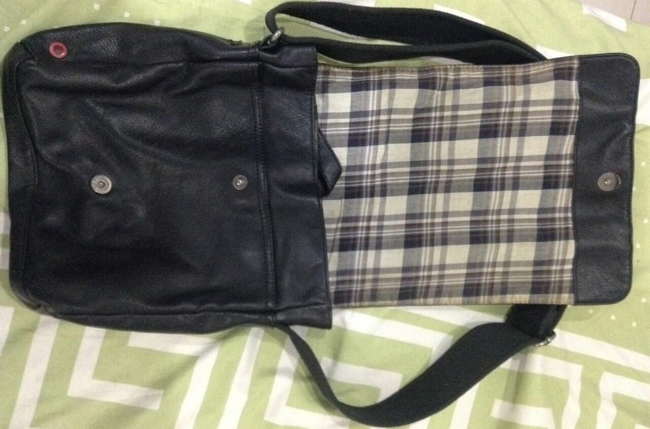 Terjual Sling bag b203674c0f