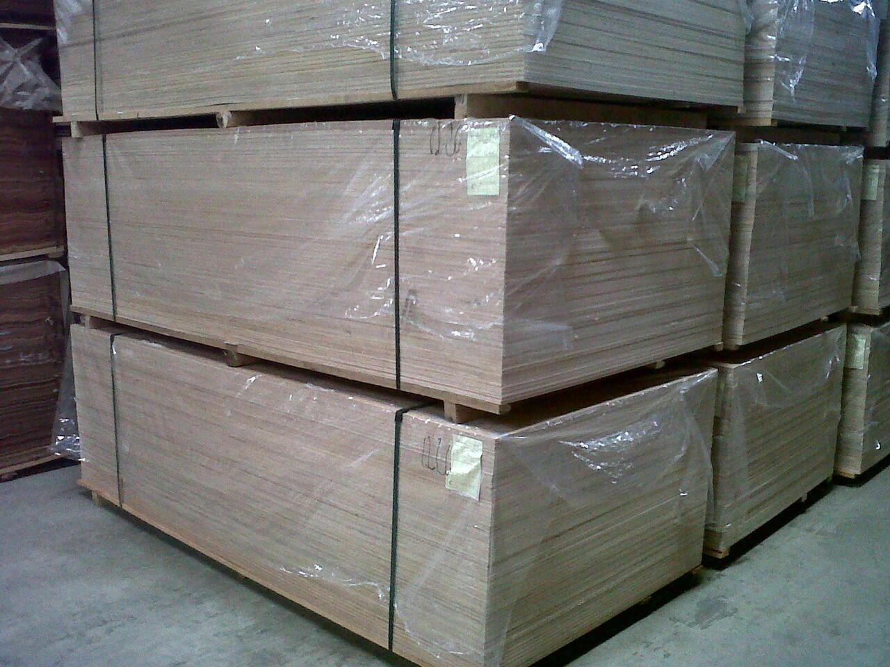 Plywood ( Multiplek / Triplek) Semarang Murah !!