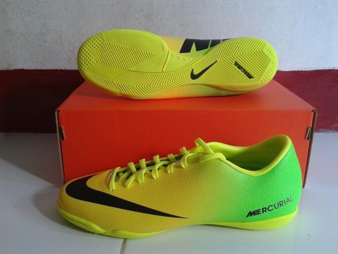 jual sepatu futsal hazard nike mercurial victory IV IC vibrant yellow original