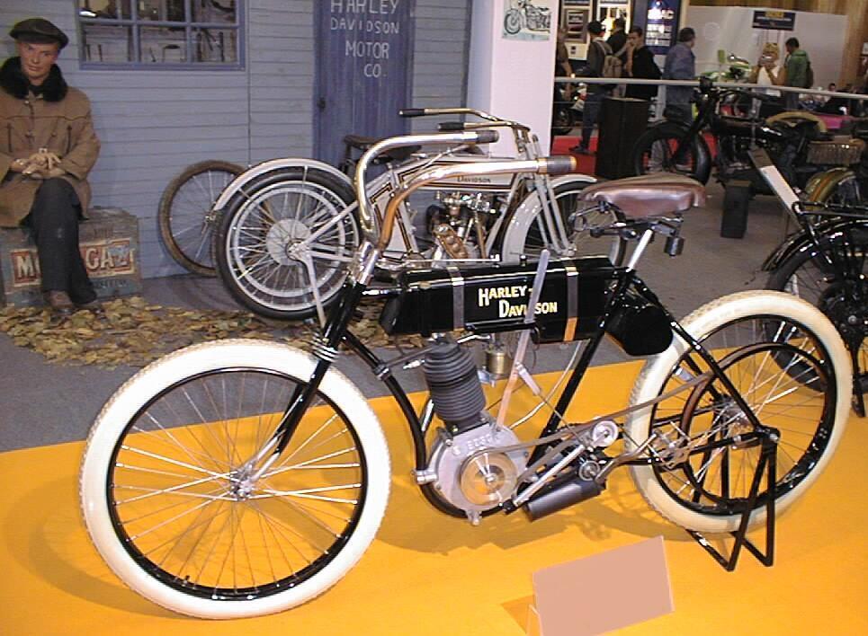 Ciri2 Jenis Harley-Davison (Full Pict BB sedikit)