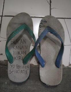 Ooolalaa Sandal Jepit [Sejarah dan Kekocakan]